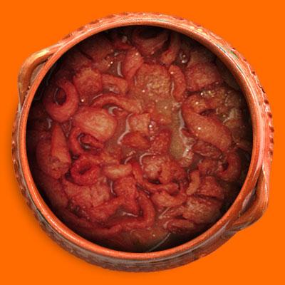 Chicharron Duro en salsa Roja