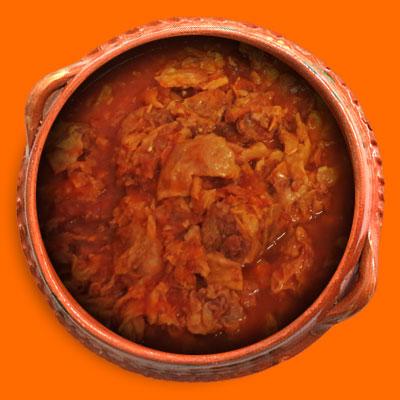 Chicharron en Salsa Roja